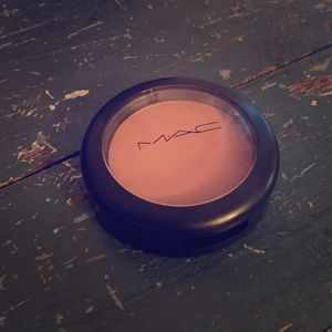 MAC blush blushbaby